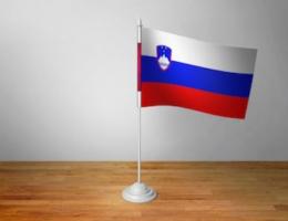 Флажок Словении настольный на подставке
