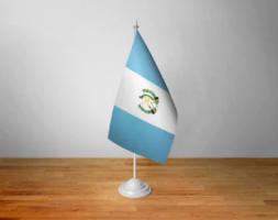 Флажок Гватемалы настольный на подставке