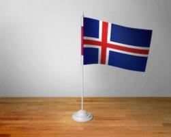 Флажок Исландии настольный на подставке